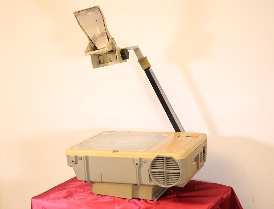 ELMO OVERHEAD PROJECTOR HP-2850 SOLAR