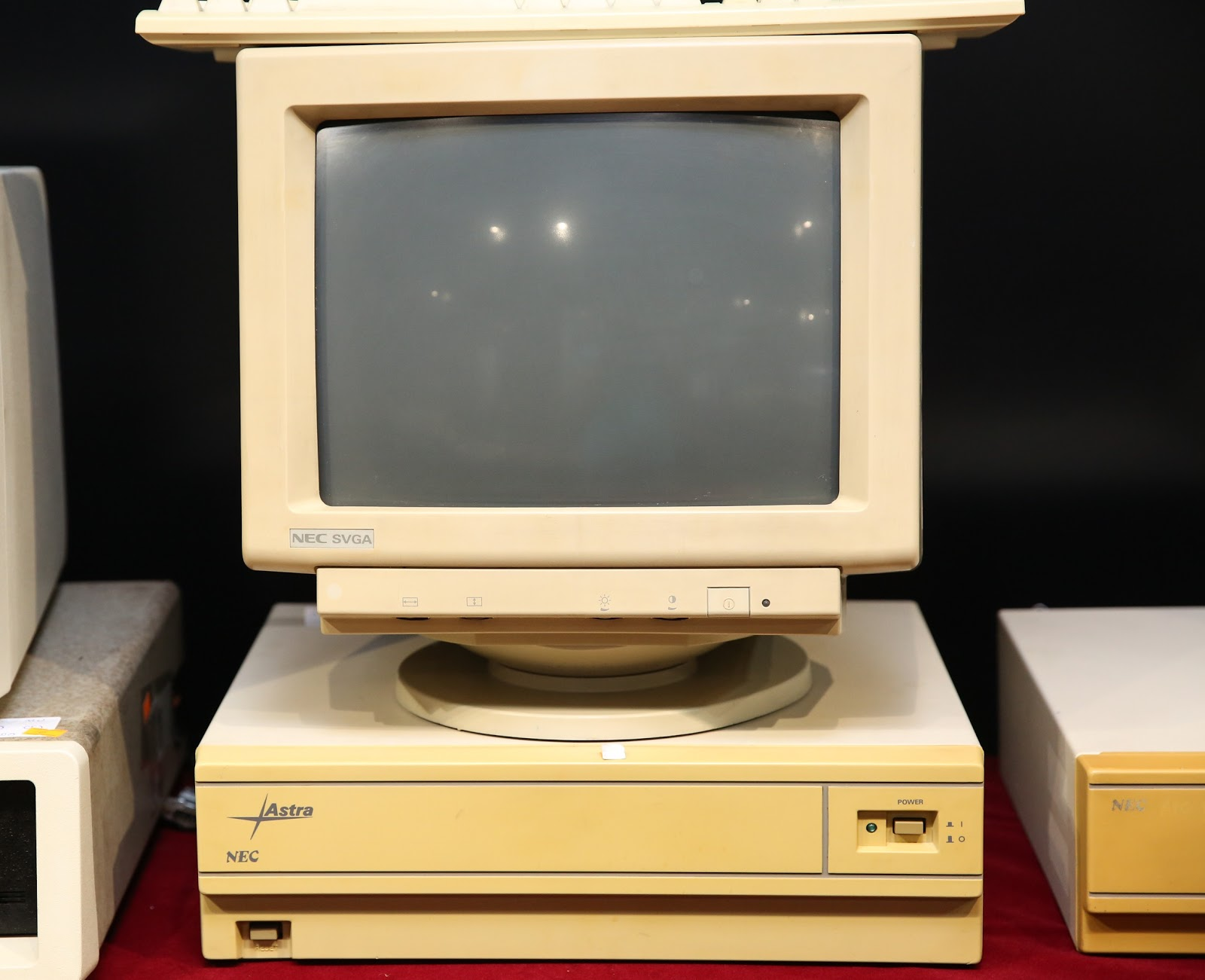 JC-1431VMA Nec SVGA Monitor
